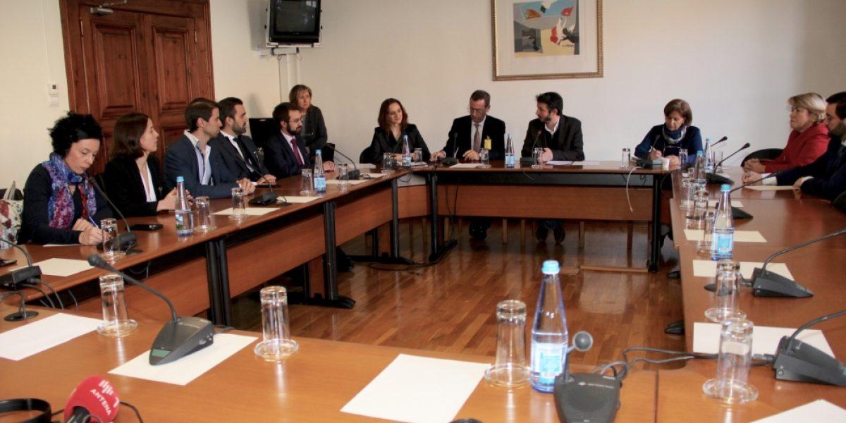 me_dicos_na_com_parlamentar_sau_de